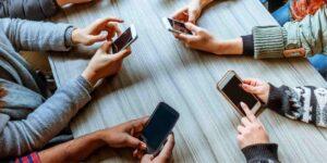 اعتیاد به موبایل در کودکان