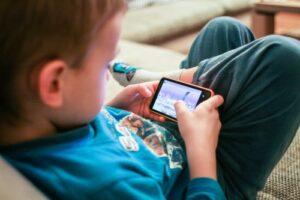 مضرات استفاده از موبایل و کاهش هوش جنبشی
