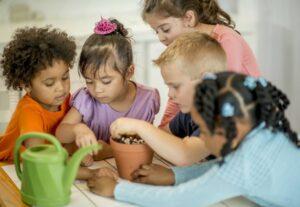 ضرورت آموزش مهارت زندگی به کودکان